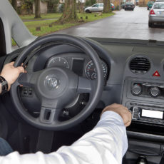 Mietwagen barrierefrei Paravan VW Caddy Cockpit