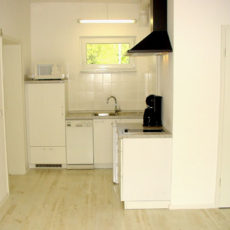 Kitchen – wheelchair accessible Bungalow Berlin