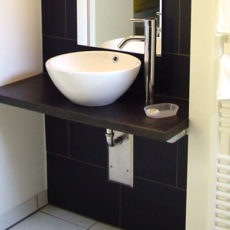Bath room – wheelchair accessible Bungalow Berlin