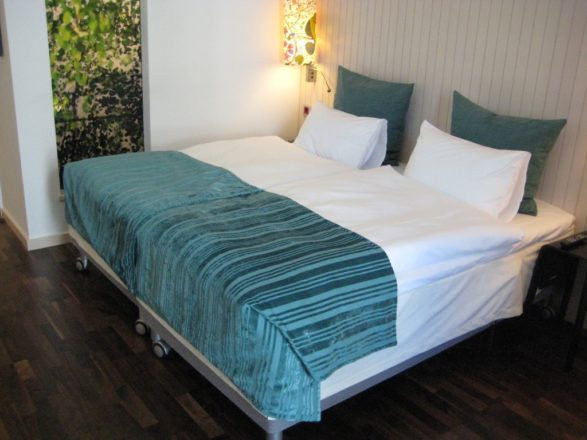 Bedroom – wheelchair accessible first class Hotel Berlin