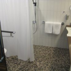 Bath room – wheelchair accessible first class Hotel Berlin