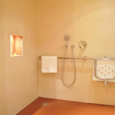 Bathroom – wheelchair accessible Hotel Berlin Friedrichstrasse