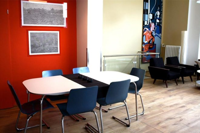Dining room – wheelchair accessible trendy Apartment Berlin