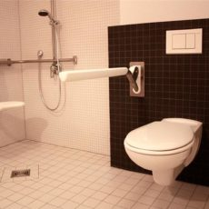 Bath room – wheelchair accessible trendy Apartment Berlin