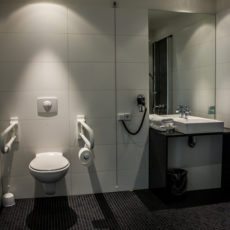 Bathroom – low Budget Design Hotel Berlin Central Station, wheelchair accessible
